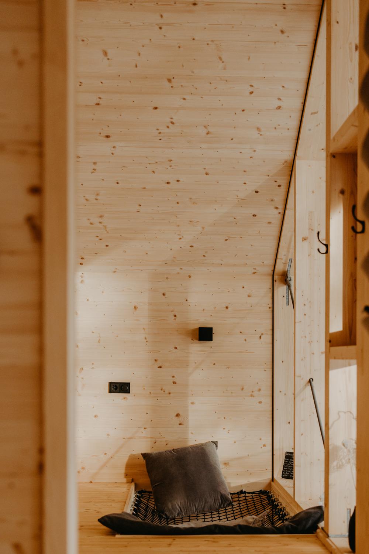 architektur-interior-baumchalet-allgaeu-bayern-winter-tinyhouse-fotograf-anna-fichtner-38